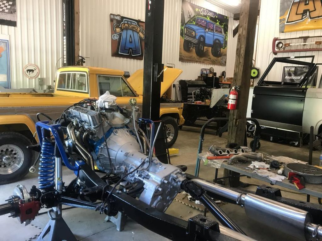 LAL Customs Vehicle Restoration