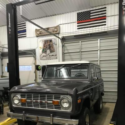 LAL-Customs-Ford-Bronco-Restoration-Custom-Metal-Body-26-71784300_1576282829176089_1426702343759462400