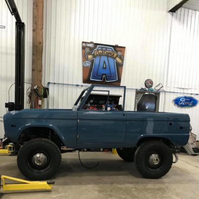 LAL-Customs-Ford-Bronco-Restoration-Pearl-Build-78487256_1631682856969419_1535881864122728448