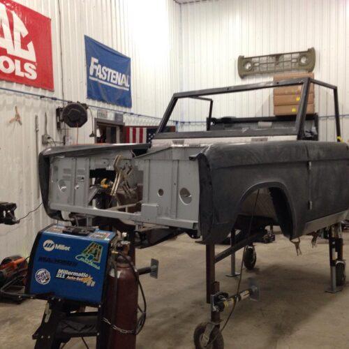 LAL-Customs-Ford-Bronco-Restoration-Mo-Build-5
