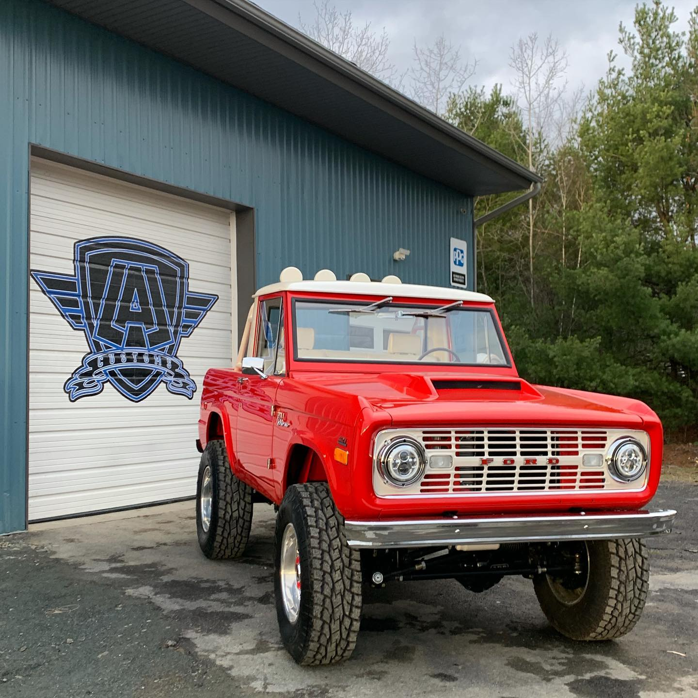 LAL-Customs-Ford-Bronco-Restoration-T-Man-Build-27