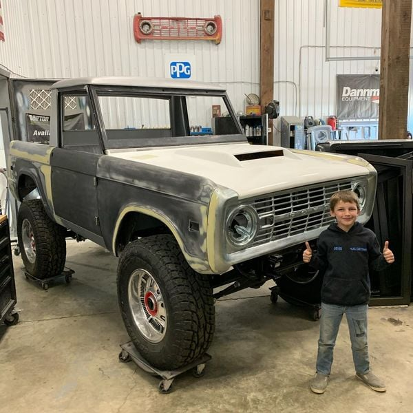 LAL-Customs-Ford-Bronco-Restoration-T-Man-Build-35