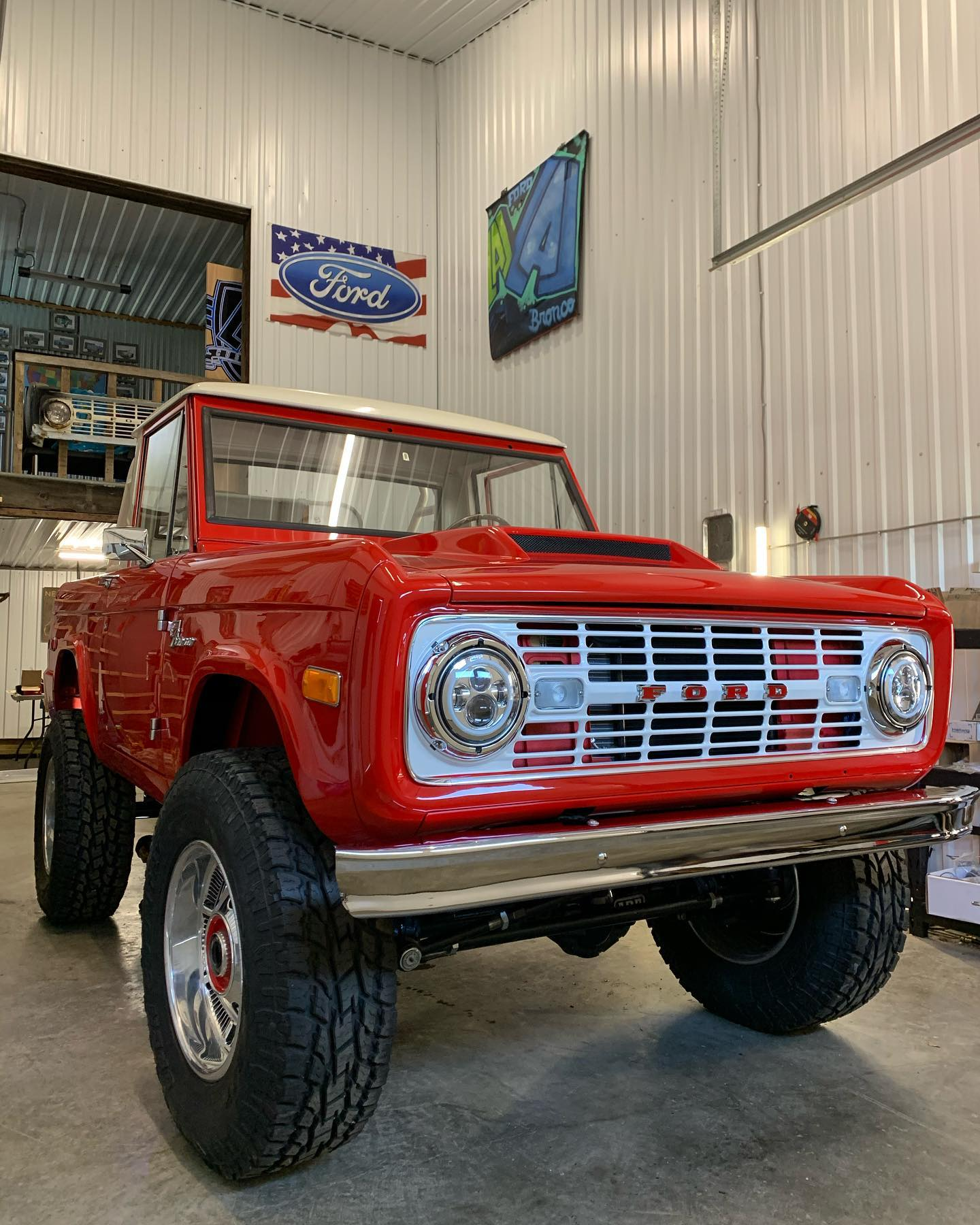 LAL-Customs-Ford-Bronco-Restoration-T-Man-Build-4
